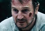 Сцена из фильма Схватка / The Grey (2011) Схватка сцена 8