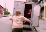 Сцена из фильма Берегись, большой брат! / Big Brother Trouble (2000) Берегись, большой брат! сцена 15
