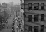 Сцена из фильма Наконец в безопасности! / Safety Last! (1923) Наконец в безопасности! сцена 20