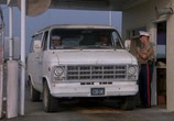 Сцена из фильма Конвоиры / Chasers (1994) Конвоиры сцена 1