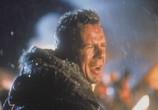 Сцена из фильма Крепкий орешек 2 / Die Hard 2 (1990) Крепкий орешек 2