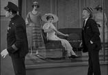Сцена из фильма Наконец в безопасности! / Safety Last! (1923) Наконец в безопасности! сцена 18