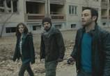 Сцена из фильма Запретная зона / Chernobyl Diaries (2012) Запретная зона сцена 6