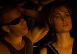 Сцена из фильма Черная дыра / Pitch Black (2000) Черная дыра