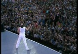 Сцена из фильма Queen: Live at Wembley Stadium (1986) Queen: Live at Wembley Stadium сцена 2